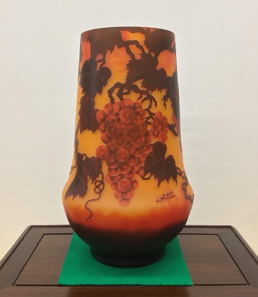 ガレ花瓶 葡萄図