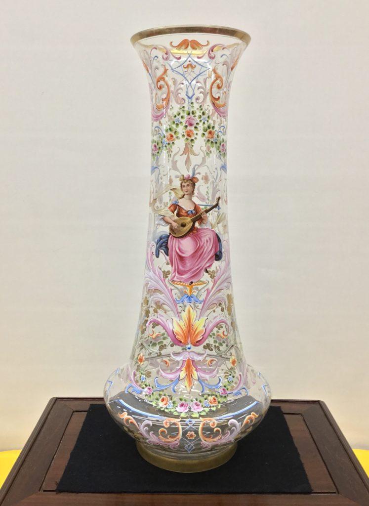 ボヘミアガラス<br>エナメル彩花模様 大花瓶